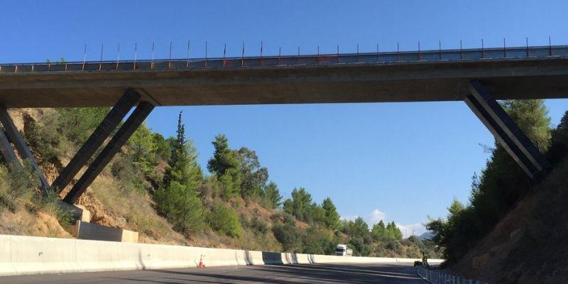 Strengthening of 3 V-Shaped Bridges in Egio
