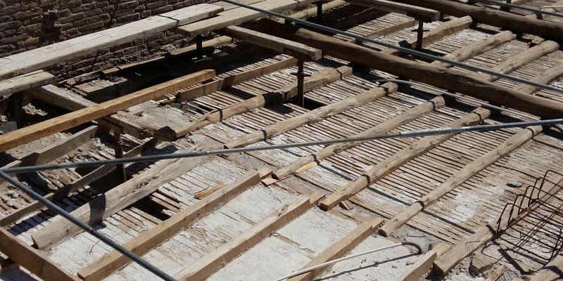 Άμεσες Σωστικές Εργασίες Μεγάρου Βογιατζίδη στη Χώρα της Άνδρου